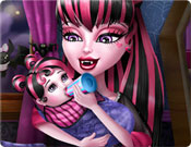 Babá Monster High